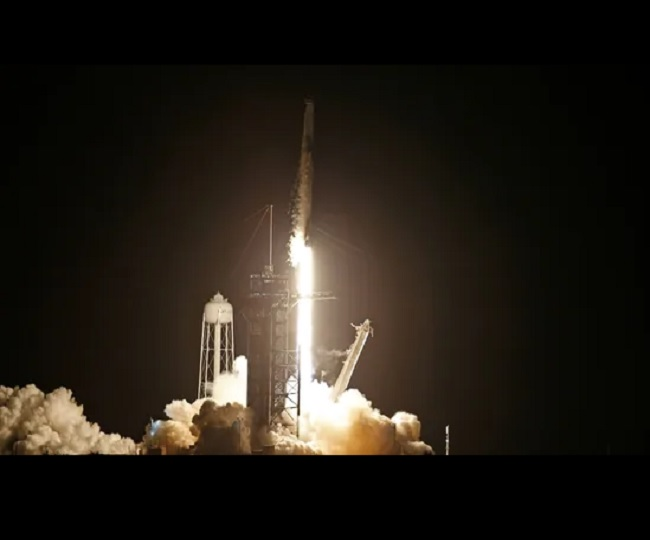 SpaceX scripts history to send 'all-civilian' crew into orbit   WATCH